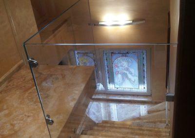стъклен парапет с вратичка1