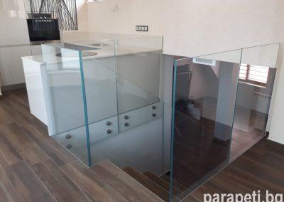 стъклен парапет 1