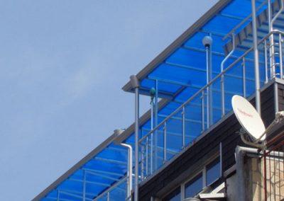 Железни навеси със структурен поликарбонат